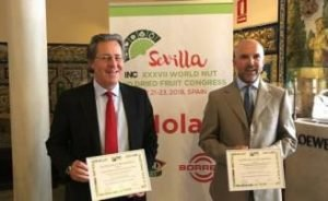 Federico Moncunill y José Manuel Sirvent, de TDC y Consejo Regulador del Turrón, en el congreso internacional de frutos secos de Sevilla del pasado año.