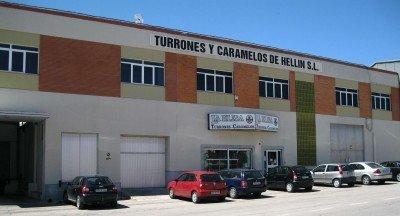 Fachada principal de la fábrica de Turrones y Caramelos de Hellín, SL./FOTO LA ELISA