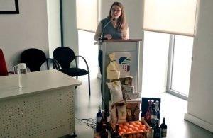 La consellera d'Agricultura, Elena Cebrián, en la presentació fa uns dies de la campanya 'Molt de gust'./FOTO CONSELLERIA