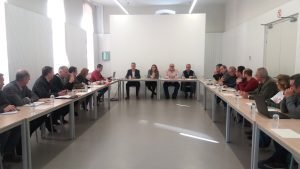 Reunió presidida, ahir, per la consellera Elena Cebrián amb tots els agents agrícoles de la Comunitat./FOTO CONSELLERIA