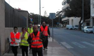 Un veterà grup de pelegrins xixonencs entran al terme municipal de Sant Joan, aquest matí./FOTO BERNAT SIRVENT