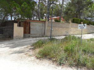 Este fanal és el que marca el límit de la zona urbana de la pedania de La Sarga a la part alta. Sense asfaltar i sense desbrossar./FOTO MADE IN JIJONA