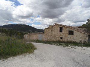 Masía en la que el Ayuntamiento de Alcoi creará un centro de interpretación de las pinturas rupestres de La Sarga./FOTO MADE IN JIJONA