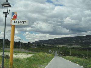 Carretera que uneix La Sarga amb la CV-800 en direcció a Xixona o Alcoi./FOTO MADE IN JIJONA