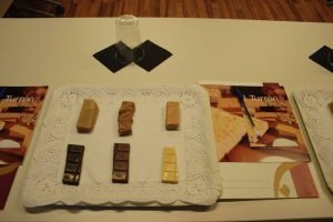 Mesa de cata del maridaje de diversos turrones con distintos chocolates impulsada por el Consejo Regulador./FOTO CONSEJO
