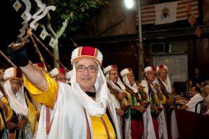 Una esquadra de veterans de la centenaria filà Moros Vermells de Xixona./FOTO VERMELLS