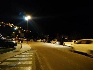 A las 7,30 de la tarde del domingo, media hora antes de la clausura de la Fira, seguían llegando coches a Jijona./FOTO MADE IN JIJONA