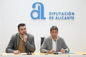 Carlos Mazón y José Mancebo, anteayer presentando Fitur en la Diputación./FOTO DIPU
