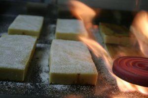 Procés de cremada de la iema totalment artesanal a un dels obradors xixonencs a Catalunya./FOTO XICS