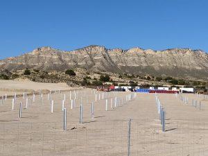 Detalle parcial de las obras que se ejecutan en la planta solar Turroneros de Xixona, ayer domingo./FOTO MADE IN JIJONA