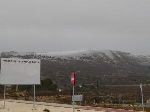 La sierra de la Carrasqueta, en Xixona, en la tarde del pasado 20 de enero, durante la última nevada de la tormenta Gloria./FOTO MADE IN JIJONA