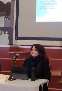 Montse García Gassió sentada en la mesa presidencial de la I Jornada de l'Ametla Marcona, de la Terra a la Taula, el 14 de febrero./FOTO MADE IN JIJONA