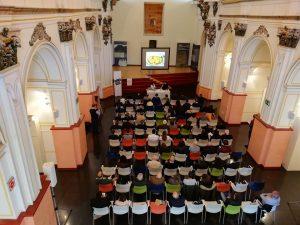Aspecto general del salón del Teatret de Xixona completamente lleno, el viernes por la mañana./FOTO JOSEP DE SÍLIM