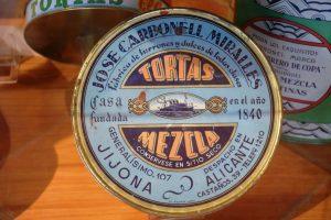 Envase de hojalata de Jose Carbonell Miralles de la década de 1960. Museo del Turrón